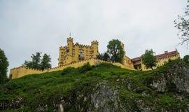 Ansicht des malerischen Schlosses Hohenschwangau im Bayern, Deutschland Stockbilder
