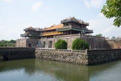 Ansicht des Mittagstors der Wolke bis zum Tag Farbe, Vietnam Lizenzfreie Stockfotos