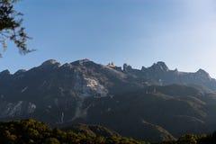 Ansicht des Nationalparks, Kota Kinabalu, Sabah Malaysia, die Spitze des Berges im MEER stockfotos