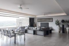 Ansicht des netten hellen Wohnzimmers Stockfotografie