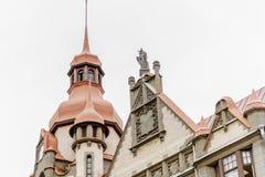 Ansicht des oberen Teiles des Haus ` Haus-Stadtbüros ` auf Sadovaya-Straße, St Petersburg, Russland Lizenzfreie Stockfotos