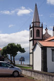 Ansicht des Ozeans hinter der Kirche Stockbild