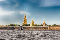 Ansicht des Peter und des Paul Fortresss, St Petersburg, Russland Stockfotos