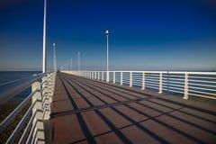 Ansicht des Piers von Marina di Massa stockbild