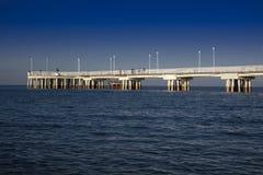 Ansicht des Piers von Marina di Massa stockfotografie