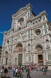 Ansicht des Quadrats mit der Kathedrale Santa Maria del Fiore in Florenz Stockfotos