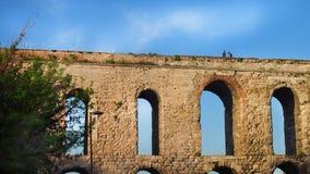 Ansicht des römischen Aquädukts stockbilder