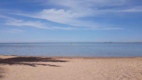 Ansicht des ruhigen Sees stock video footage