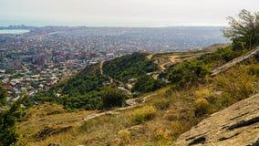 Ansicht des südöstlichen Stadtteiles von Makhachkala - das Kapital der Republik von Dagestan stockbild