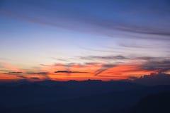Ansicht des schönen Sonnenaufgangs von der Spitze der Adam-` s Spitze S Lizenzfreies Stockbild