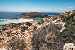 Ansicht des schönen Strandes in der Balos Lagunen- und Gramvousa-Insel auf Kreta, Griechenland Sonniger Tag, blauer Himmel mit Wo Stockbild