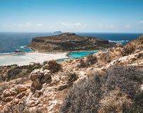 Ansicht des schönen Strandes in der Balos Lagunen- und Gramvousa-Insel auf Kreta, Griechenland Sonniger Tag, blauer Himmel mit Wo Stockfotos