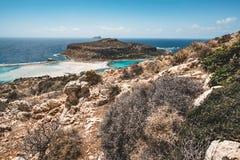 Ansicht des schönen Strandes in der Balos Lagunen- und Gramvousa-Insel auf Kreta, Griechenland Sonniger Tag, blauer Himmel mit Wo Lizenzfreies Stockbild