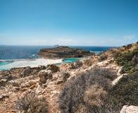 Ansicht des schönen Strandes in der Balos Lagunen- und Gramvousa-Insel auf Kreta, Griechenland Sonniger Tag, blauer Himmel mit Wo Lizenzfreies Stockfoto