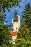 Ansicht des Schloss-Turms-Pruhonice, tschechischer Repräsentant stockfotos