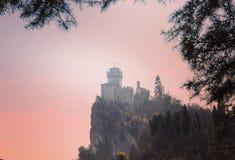Ansicht des Schlosses von San Marino lizenzfreies stockfoto