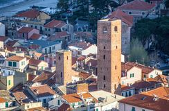 Ansicht des Seedorfs von Noli, Savona, Italien Stockbilder