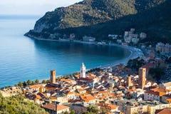 Ansicht des Seedorfs von Noli, Savona, Italien Lizenzfreies Stockfoto
