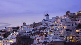 Ansicht des Sonnenuntergangs an Oia-Dorf auf Santorini, Griechenland - timelapse stock video