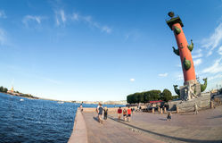 Ansicht des Spuckens von Vasilyevsky Island und Peter und Paul Fo Lizenzfreies Stockbild