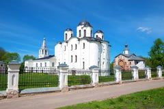 Ansicht des St. Nicholas Cathedral 1113 auf Yaroslav-` s Gericht an einem sonnigen Maifeiertag Veliky Novgorod, Russland Lizenzfreies Stockbild