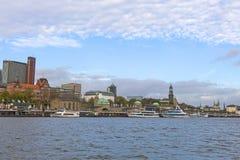 Ansicht des St. Pauli Piers, eine von Hamburg-` s Majors-Tourist attr stockfotografie
