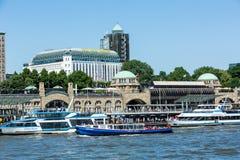 Ansicht des St. Pauli Piers eine von Hamburgs Majors-Tourist attrac stockbild