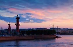 Ansicht des St. Petersburg in der Sommerdämmerung Stockfotografie