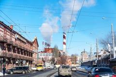 Ansicht des Stadt Elektrizitätswerks von Volzhsky-Allee stockfotos