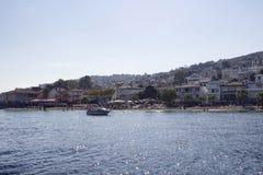Ansicht des Strandes in Kinaliada Stockfotos