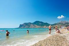 Ansicht des Strandes in Koktebel, Krim. Ukraine stockfotos