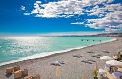 Ansicht des Strandes in Nizza, Frankreich Stockbilder