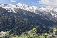 Ansicht des Tales und der Berge Lizenzfreie Stockbilder