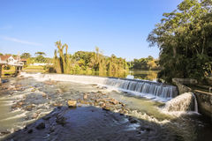Ansicht des Timbo-Stadtwasserfalls, Santa Catarina Lizenzfreie Stockbilder