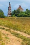 Ansicht des verlassenen Tempels Das Dorf von Kuznetsovo Stockfotos