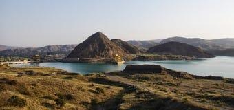 Ansicht des Wasserkraftwerks in Kirgisistan Stockfotos