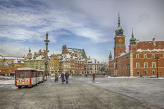 Ansicht des wirklichen Quadrats des Schlosses in Warschau Lizenzfreie Stockfotos