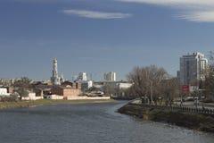 Ansicht des zentralen Stadtteiles von der Flussseite in wi Stockfotografie