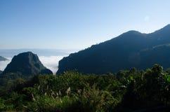 Ansicht-Drehkopf-Grenze von Thailand und von Myanmar Stockfotos