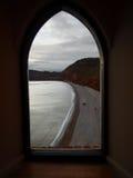 Ansicht durch das Fenster Stockfotos