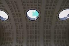 Ansicht durch das Menin-Tor stockfotografie