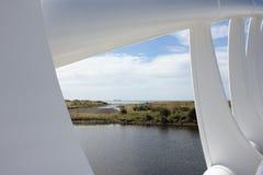 Ansicht durch die Brücke lizenzfreie stockfotos