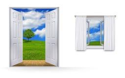 Ansicht durch Fenster und Tür Stockfotos