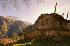 Ansicht einer alten Stadt in Asturias, Spanien. Lizenzfreie Stockfotos