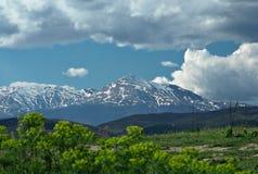 Ansicht einer Gebirgsoberseite Ljuboten in Makedonien Lizenzfreie Stockfotos