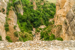 Ansicht einer Klippe in Ronda, Spanien Lizenzfreies Stockfoto