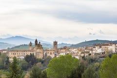 Ansicht eines mittelalterlichen Dorfs von Italien lizenzfreies stockbild