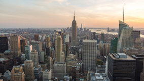 Ansicht-Empire State Building in Manhattan-Skylinen New York stock video footage