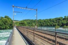 Ansicht entlang die Rheinfallbruecke-Brücke Stockfoto