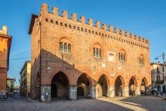 Ansicht am Gebäude des Palastes Cittanova in den Straßen von Cremona in Italien lizenzfreie stockbilder